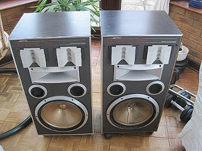 Jamo Dynamic D5E Speakers