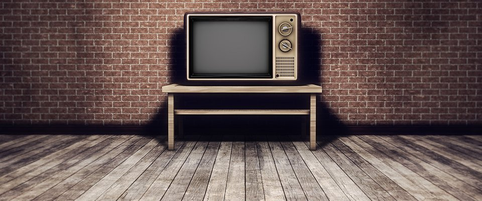 Tv Aspect Ratio - Understanding Widescreen And 4:3: Old Style 4:3 Tv In An Empty Room